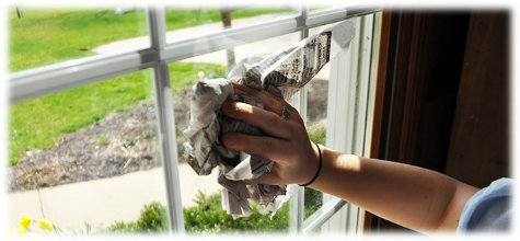 Newspaper to shine window glass